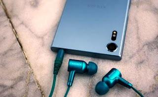 Harga Sony Xperia XZs ini dibanderol dengan harga berkisar 7-8 jutaan