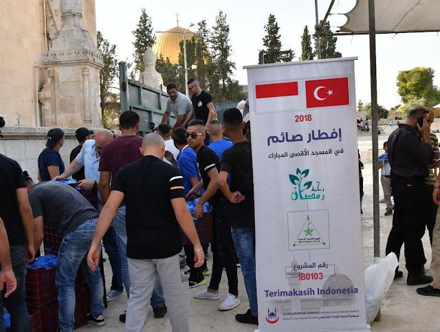 FPI Gelar Buka Puasa di Masjid Al-Aqsha Palestina, Harumkan Nama Indonesia