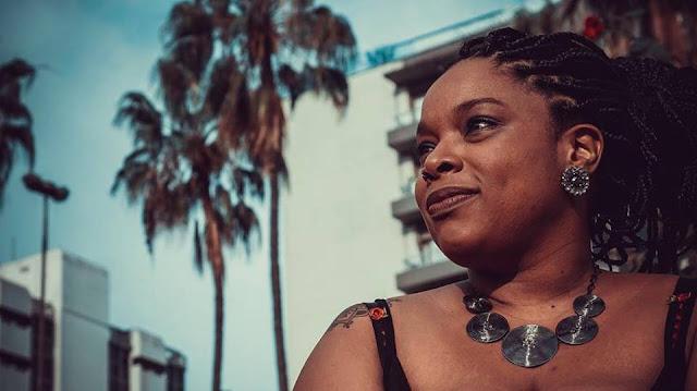 Hebreu Indica #1 - Srta. Paola, a doce e linda voz da musica preta brasileira