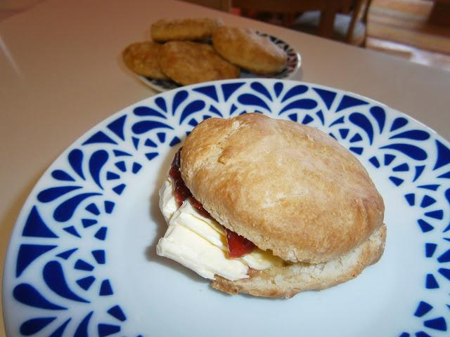 Scones Tradicionales (Bollos de pan para el desayuno)