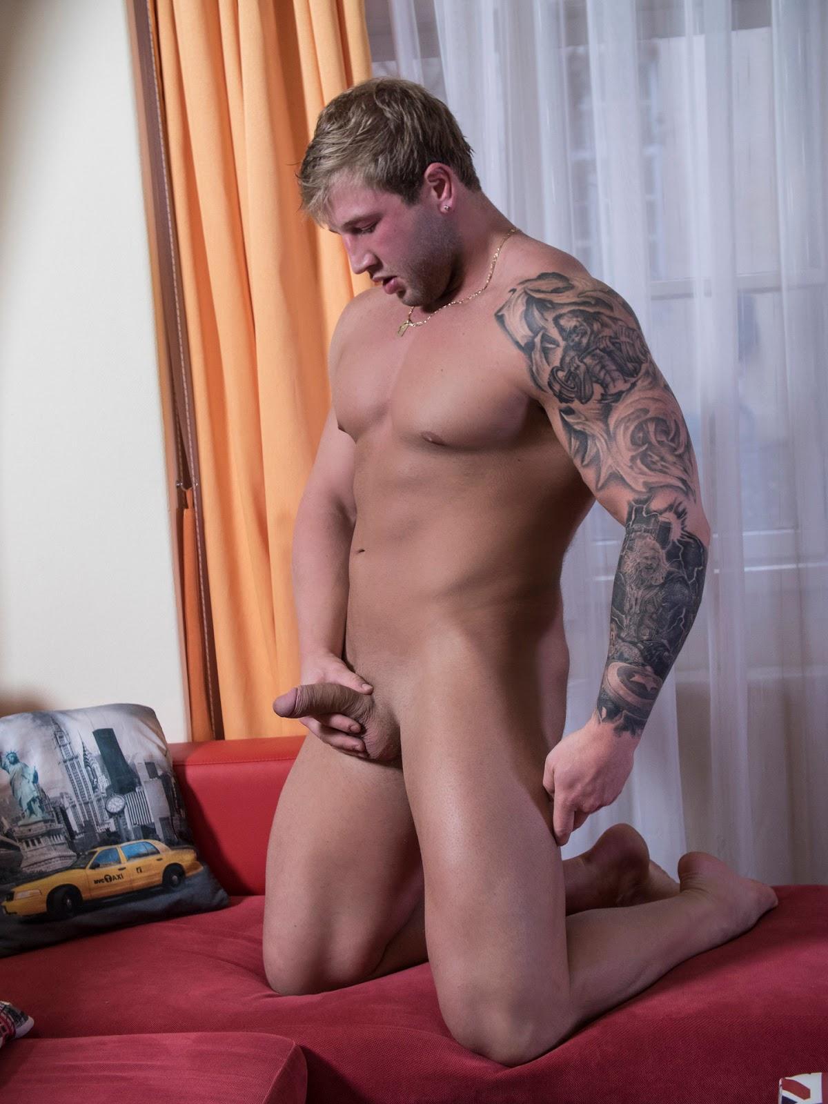 Gay escort rome