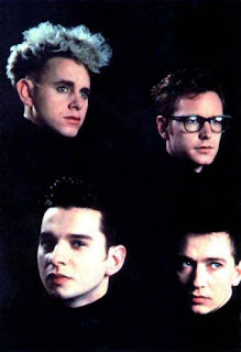 Imagen con los cuatro integrantes de Depeche Mode