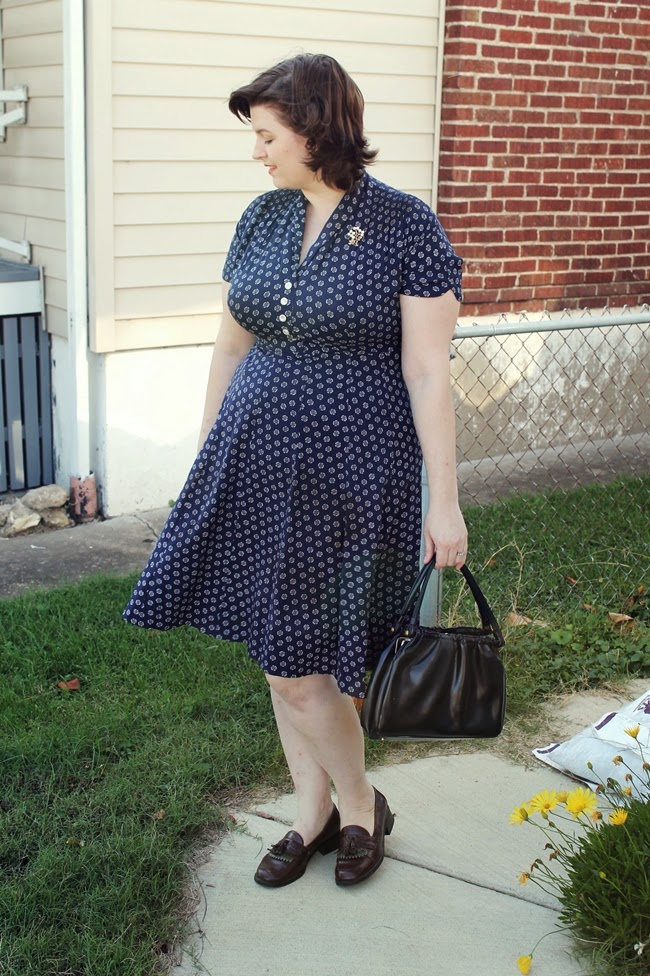 1940s plus size rayon dress casual vintage fashion via Va-Voom Vintage