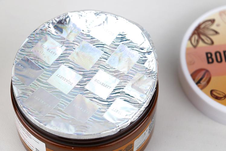 Kemasan Scarlett Whitening Body Scrub Coffee Original