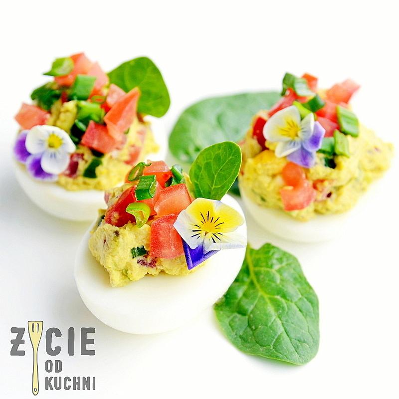 jajka faszerowane, wielkanoc, przepisy z jajem, przepisy na wielkanoc, wielkanocne sniadanie, zycie od kuchni