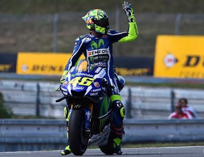 Overlap! Akhirnya Rossi Curi Posisi Dua Klasemen dari Lorenzo