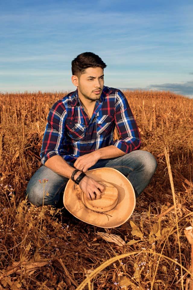 Willian Herculano, o Mister Brasil 2016, posa para ensaio no interior. Foto: Ronaldo Gutierrez