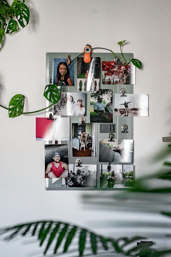 Galería de fotos en panel imantado
