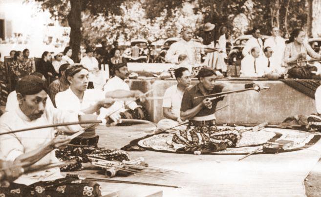 panahan tradisional jegulan jemparingan mataraman langenastro pakualaman paku alam