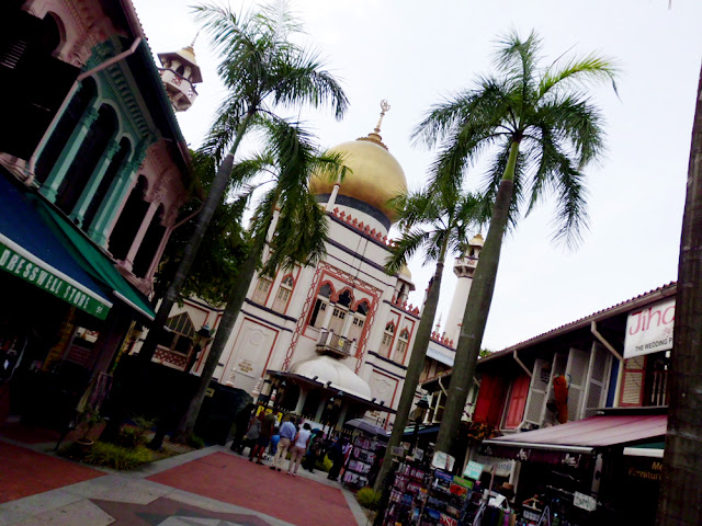 bowdywanders.com Singapore Travel Blog Philippines Photo :: Singapore :: Masjid Sultan in Arab Street
