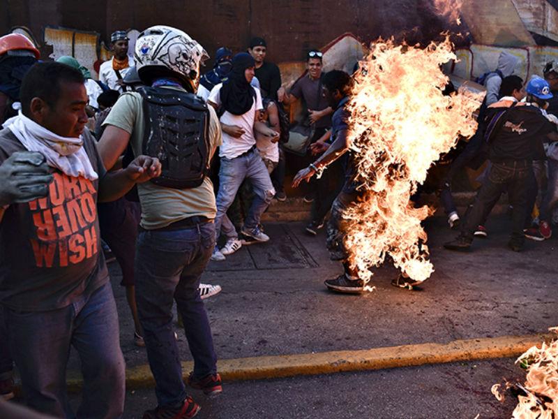 Más del 80 por ciento de los venezolanos rechazan violencia opositora