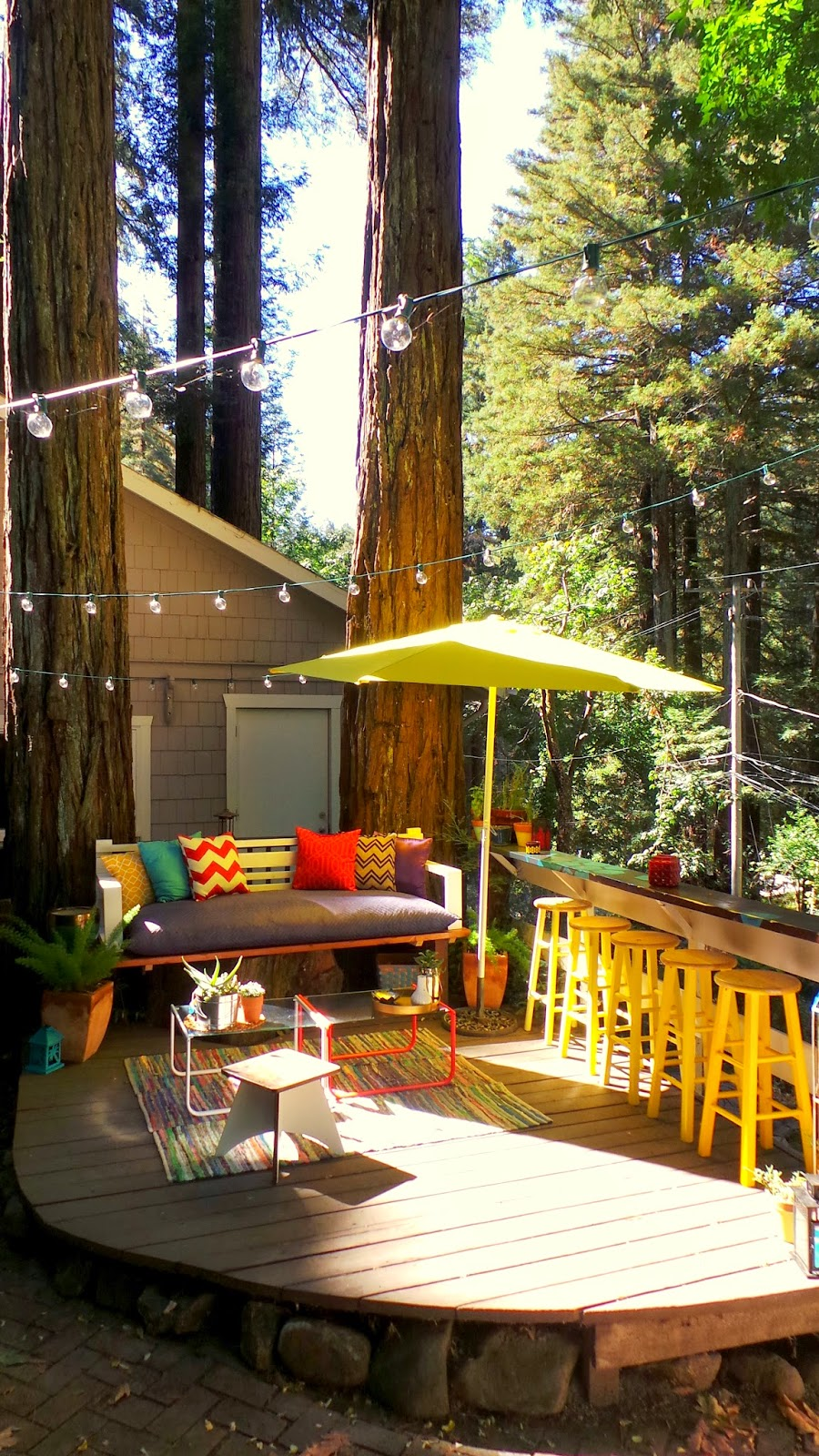 nine red backyard patio tree stump to day bed