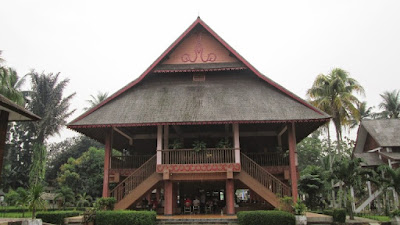 Bangunan Rumah Adat Sulawesi Utara