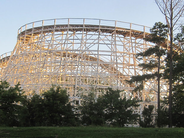 Bobbie' Roller Coaster And Theme Park Rebel Yell
