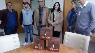 Troco Solidário, que ajuda a Santa Casa, chega a Manoel Viana