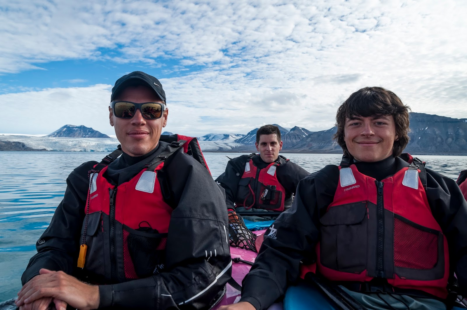 pyramiden svalbard spitzberg kayak