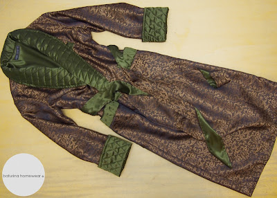 Luxus Hausmantel Morgenmantel Paisley englischer Stil edel Gold Grün gesteppt elegant gefüttert lang Seide