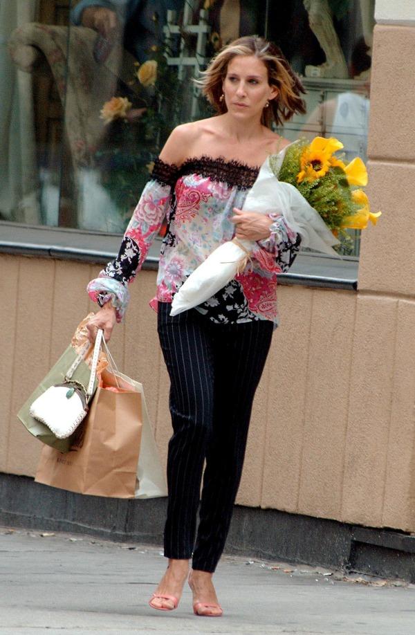 Os melhores looks de Carrie Bradshaw