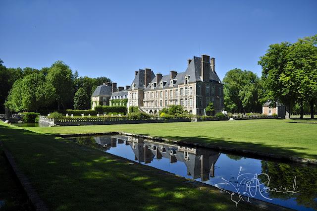 Chateau de Courances - XVII wieczny park i ogrody