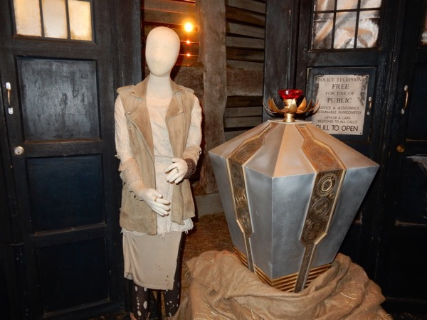 Billie Piper Moment interface costume prop doctor who