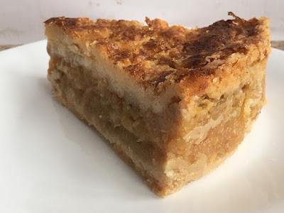 Ciasto z jabłkami i kaszą manną