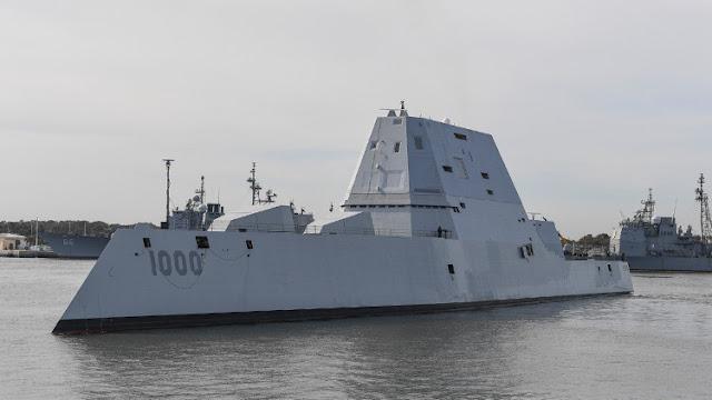 El nuevo destructor de EE.UU. se avería en el canal de Panamá