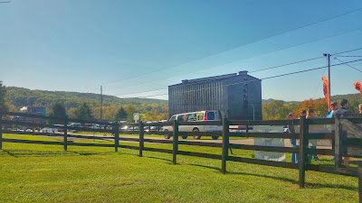 Bourbon Chase 2015: 15 miles of Kentucky countryside on a perfect day