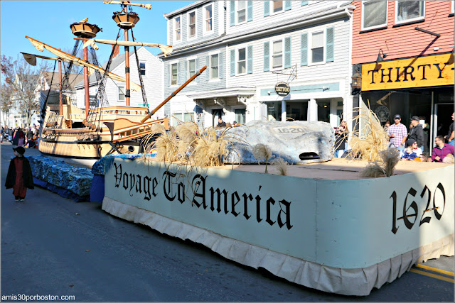 Mayflower en el Desfile de Acción de Gracias de Plymouth