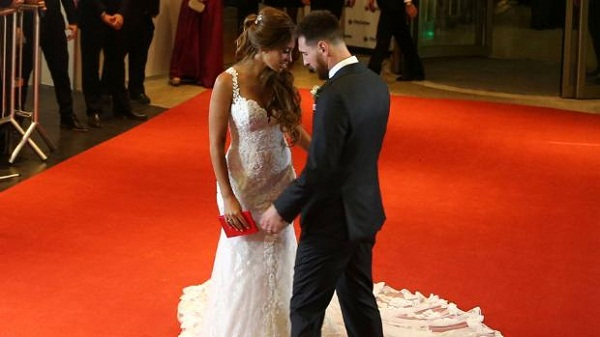 Lionel Messi weds his Childhood Sweetheart, Antonella Roccuzzo