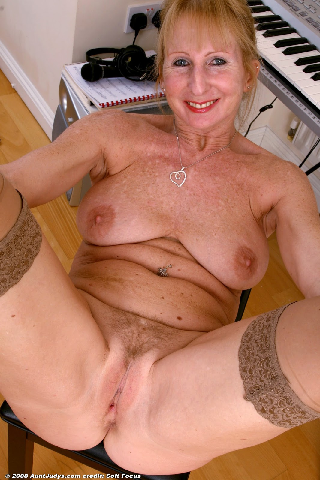 Naked Mature English Women