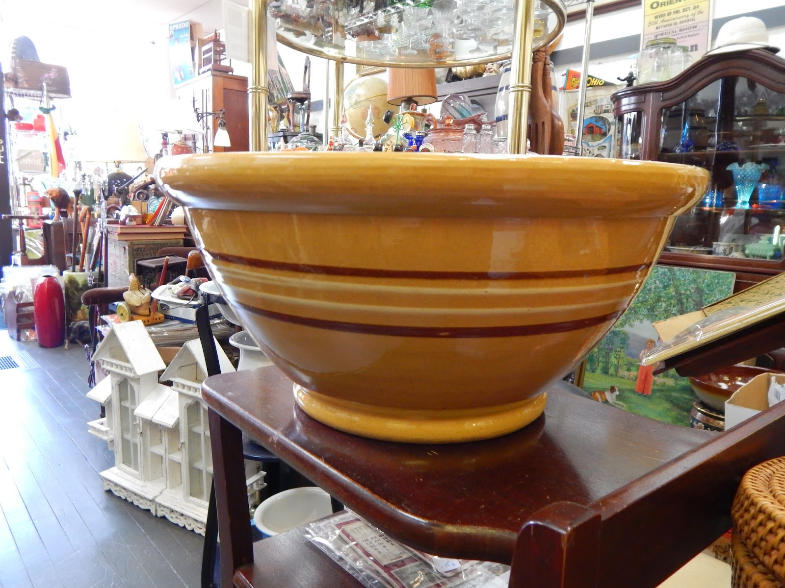 13909 Antiques: Vintage Large 1940s Yellow Ware Mixing Bowl