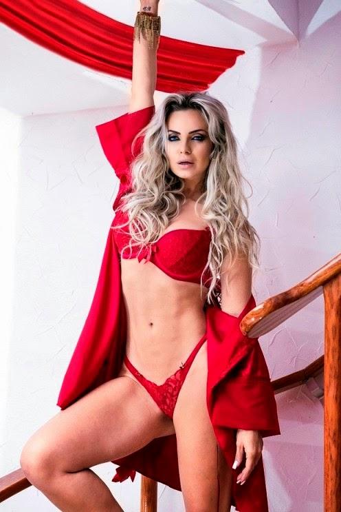 Resultado de imagem para Veridiana Freitas posa sexy