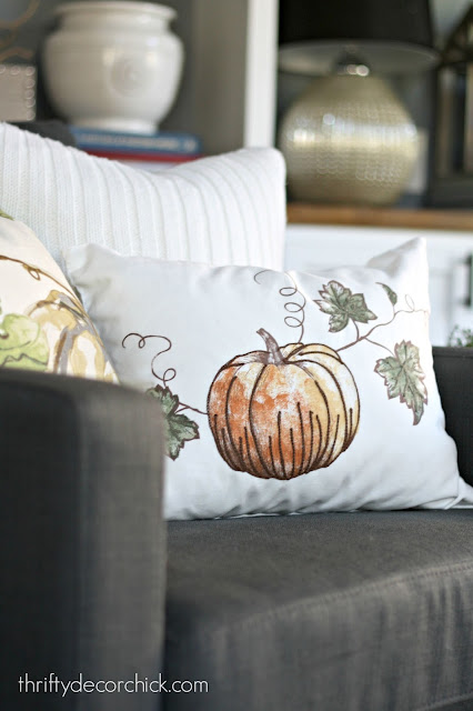 Inexpensive DIY seasonal pillows