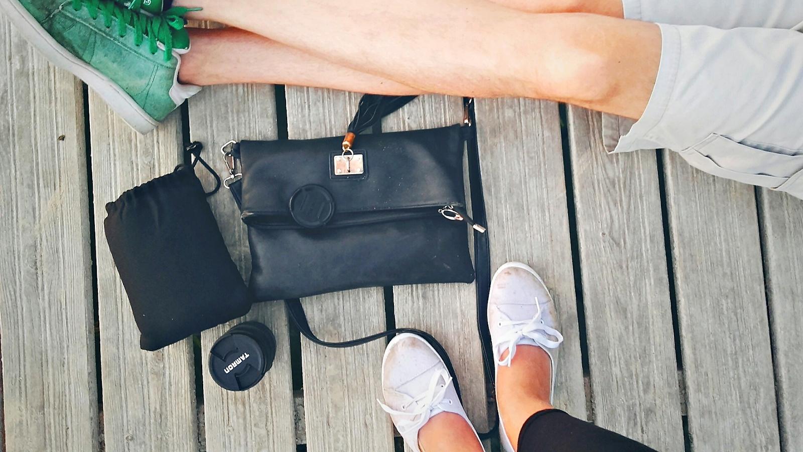 """Esencjalizm w mojej torebce. Wariacja wokół tagu """"what's in my bag"""" z moimi patentami ;)"""