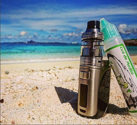 Enjoying Sunshine in the Beach with a iStick Pico25