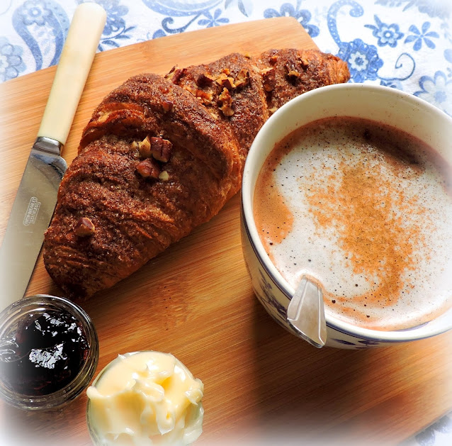Easy Cinnamon  Croissants