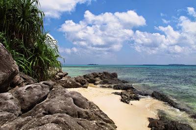 tempat wisata di pantai karimunjawa