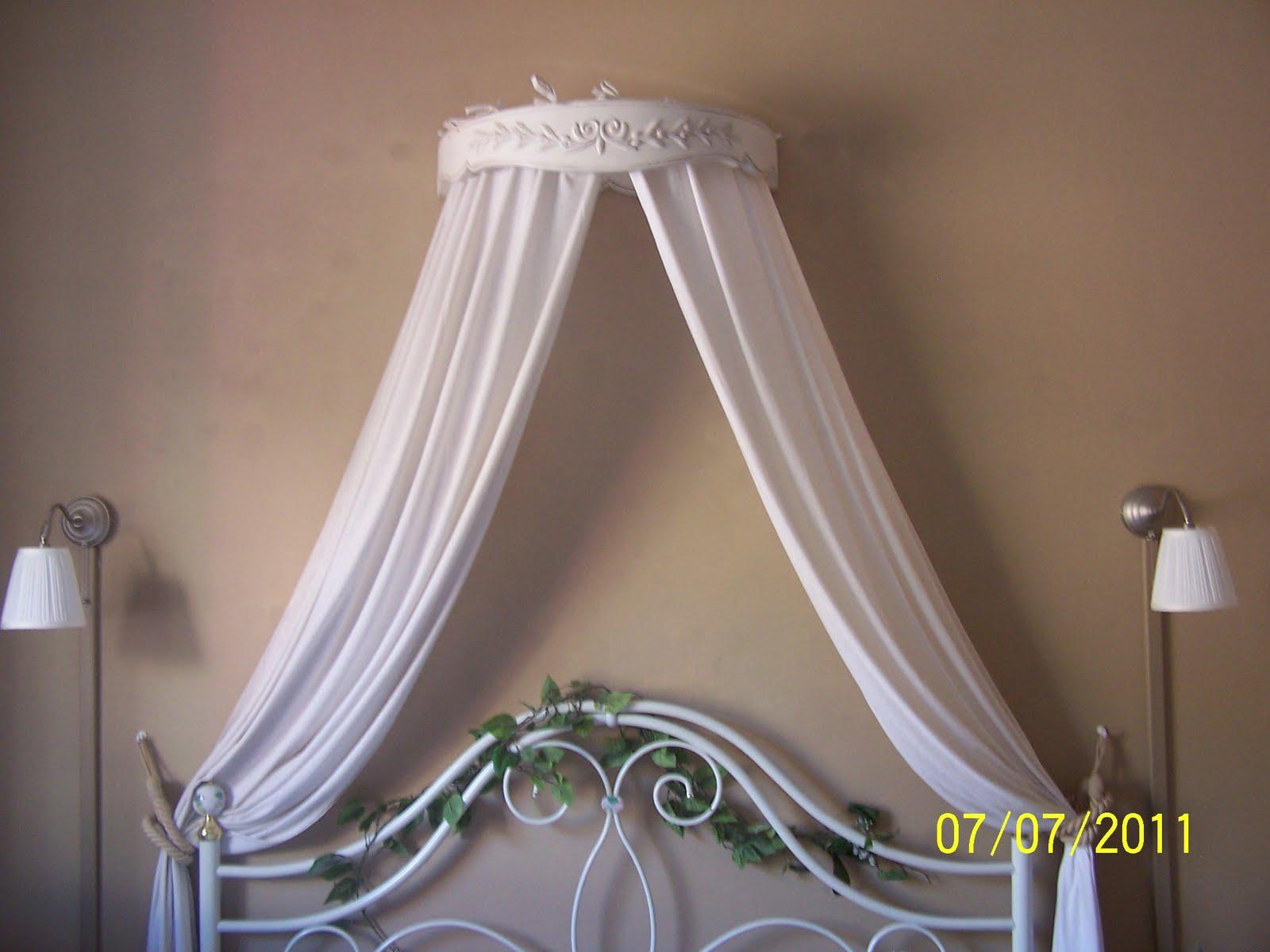 ciel de lit adulte ikea perfect ikea hack tte de lit avec oreiller with ciel de lit adulte ikea. Black Bedroom Furniture Sets. Home Design Ideas
