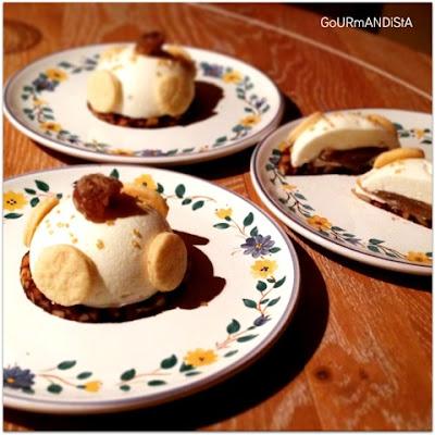 image Entremets : mousse au fromage blanc, coeur crème de marron, pommes croquantes et gelée de mûre