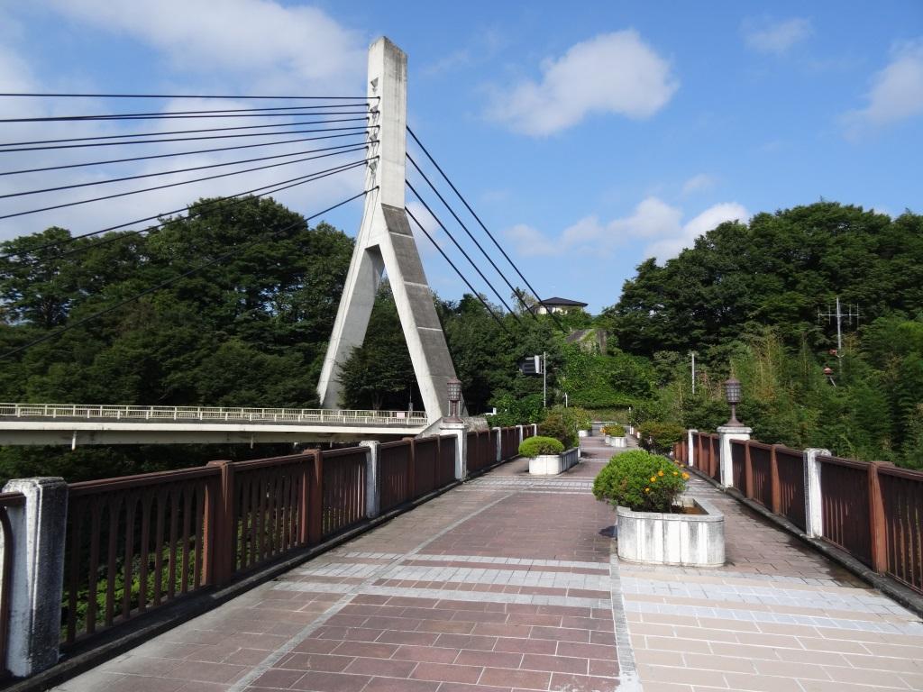 MikeHattsu Anime Journeys: AnoHana - Bridge