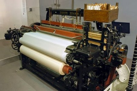 Key Features of Hand Loom and Power Loom - Textile Chapter