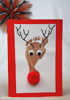 http://www.emmaowl.com/blog/reindeer-footprint-christmas-cards-all-you-need-is-a-shiny-nose/