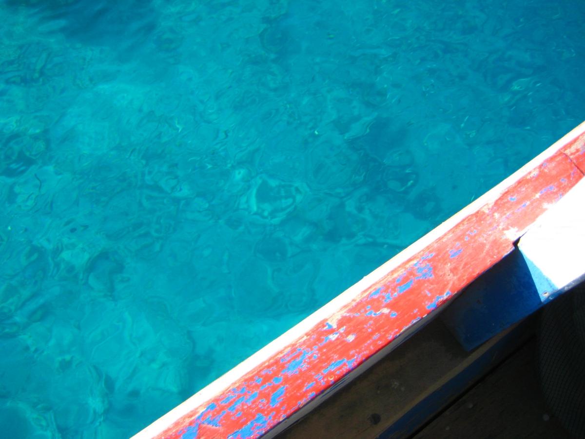 투명한 길리 바다