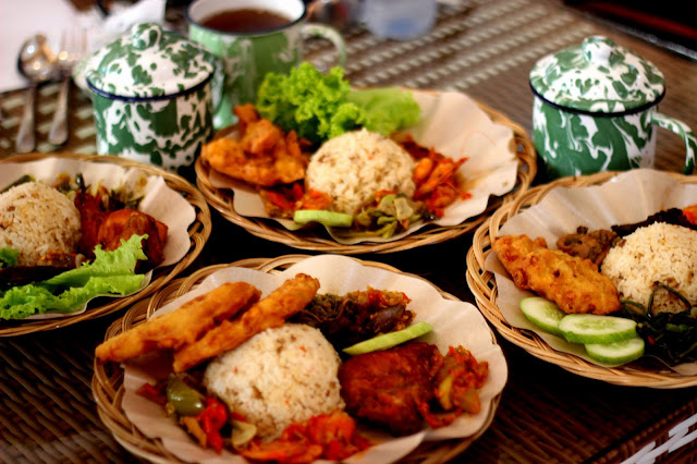 Bluepacker - Indonesian Travel Blogger - Kuliner Bakoel Ussy