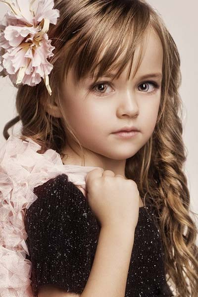 Menakjubkan! Gadis 9 tahun ini Dijuluki Sebagai Wanita Tercantik di Dunia