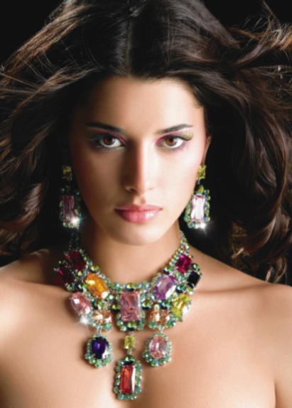 hottopjewellery: Costume Jewelry Is A Very Modern - photo#35