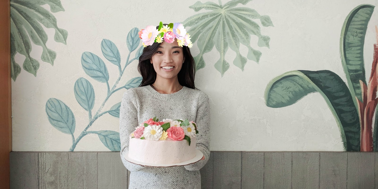 Snapchat flower crown strawberry cake for karens birthday the jen tldr inspired by snapchats flower crown filter i baked a strawberry cake with hand piped bean paste flowers for my friend karens birthday read on for izmirmasajfo