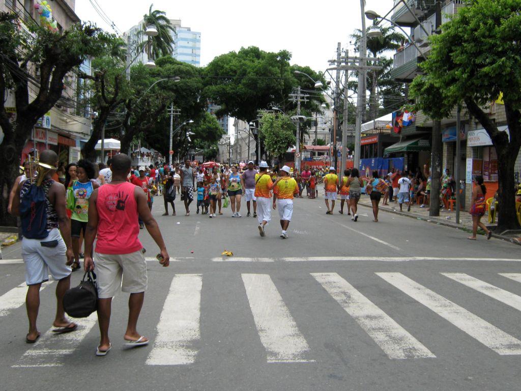 Circuito Osmar : Salvador em um dia circuito osmar muda e blocos afro ganham