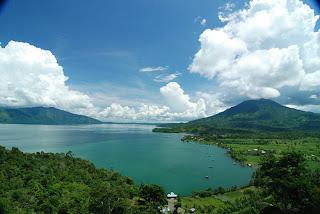 http://infopalembang.id/wp-content/uploads/2015/07/lake-ranau-panduanwisata_com_.jpg