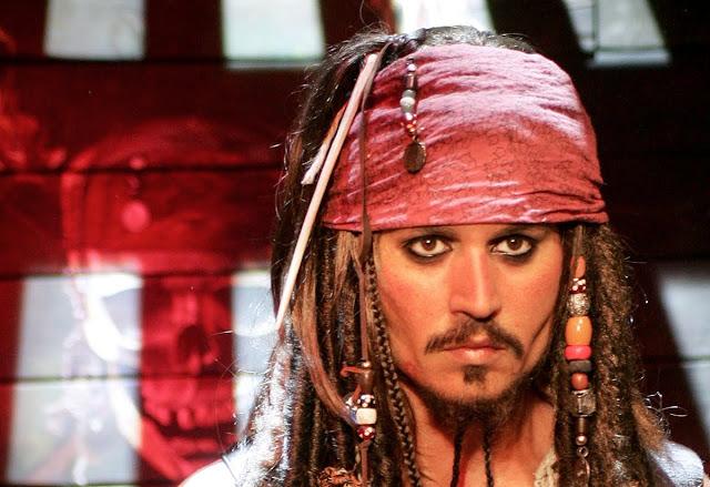 Usaha Tabloid The Sun Batalkan Gugatan Johnny Depp Ditolak Pengadilan